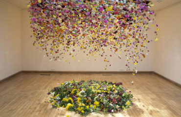 Casa Romantica Press Room | Casa Romantica Commissions Massive Installation From Famous Artist Rebecca Louise Law Using 8,000 Floral Blooms Grown By Orange County Residents